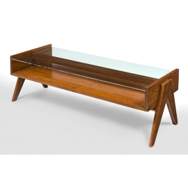 "Pierre JEANNERET. Table basse dite ""coffee table"" en teck massif."