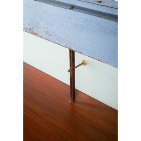 Table éclairante en teck.
