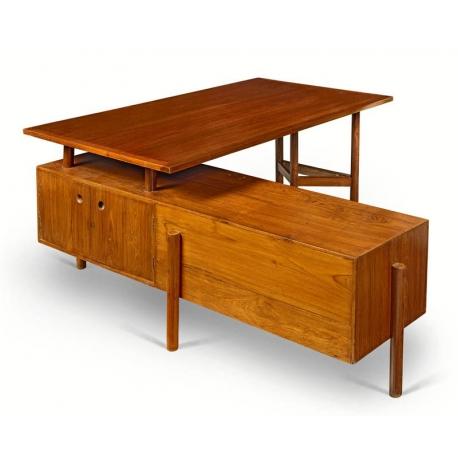 Pierre JEANNERET. Teak desk.