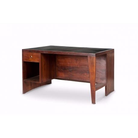 """Pierre JEANNERET. Bureau dit """"office table""""en teck massif."""