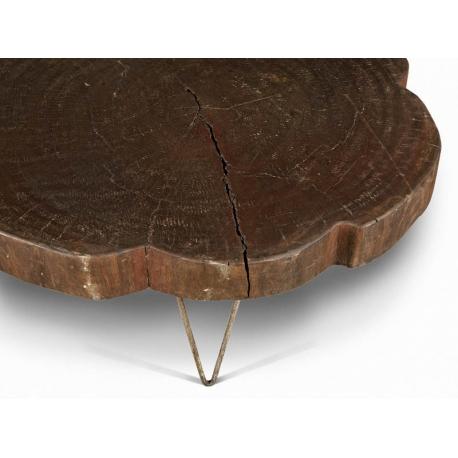 """LE CORBUSIER et Pierre JEANNERET. Table basse dite """"tree trunk"""""""