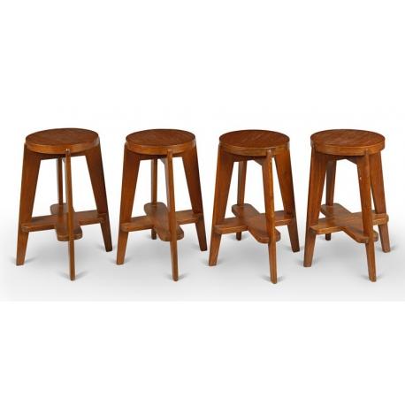 Pierre JEANNERET. Round bar chair.