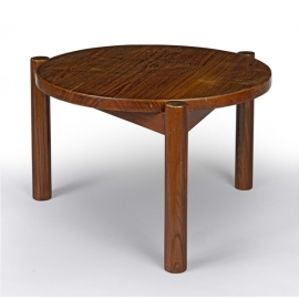 Pierre JEANNERET. Table basse en teck.
